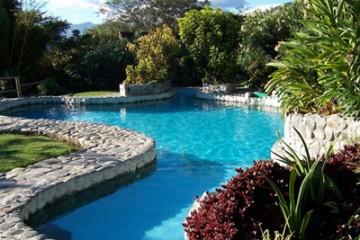 izhcayluma-hotel-pool-v